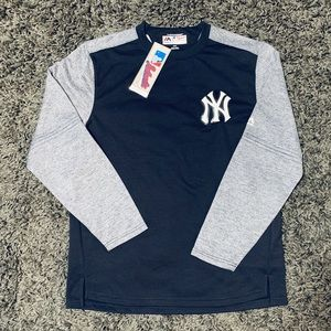 MAJESTIC ThermaBase Comfortable and Trendy Yankees